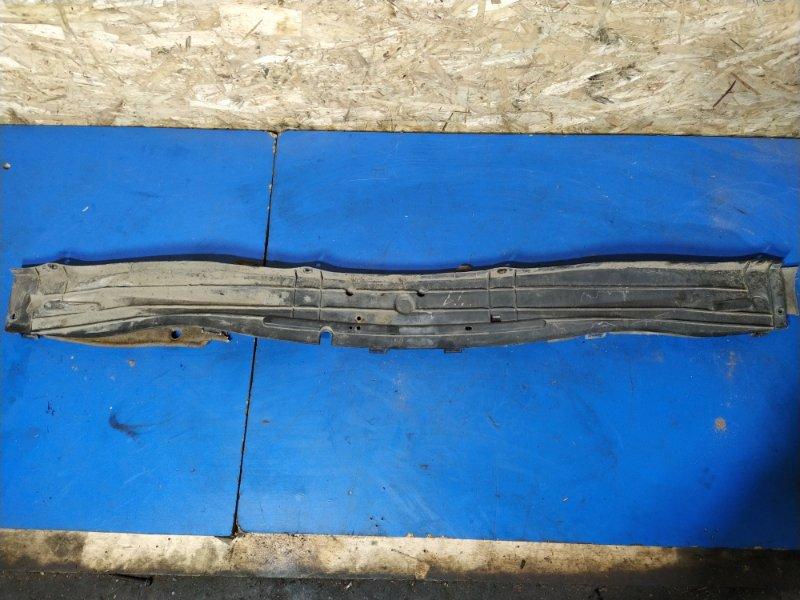 Водосток лобового стекла Ford Focus 1 1998-2005 СЕДАН 1.6L ZETEC-E EFI (100 Л.С.) 2001 (б/у)