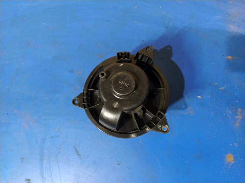 Моторчик печки Ford Focus 1 (1998-2005) СЕДАН 1.6L ZETEC-E EFI (100 Л.С.) 2001 (б/у)