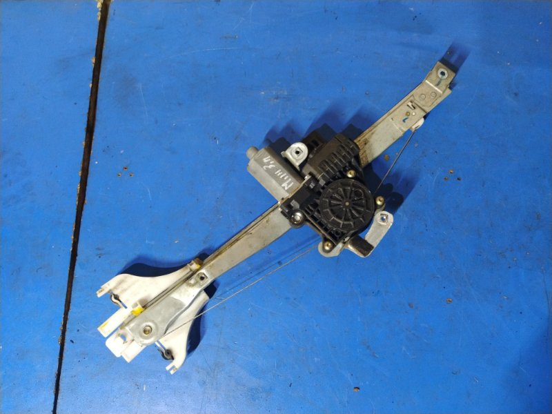 Стеклоподъёмник задний правый Ford Mondeo 3 (2000-2007) (б/у)