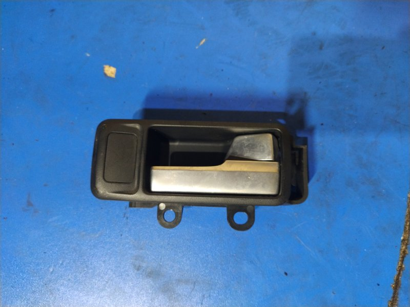 Ручка двери внутренняя Ford Focus 2 2004-2008 ХЭТЧБЕК правая (б/у)