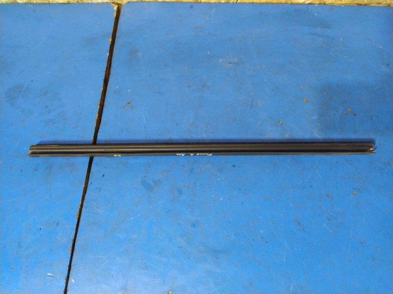 Уплотнитель стекла внутренний Ford Focus 2 2004-2008 ХЭТЧБЕК (б/у)