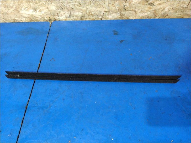 Уплотнитель стекла внутренний Ford Mondeo 4 (2007-2014) УНИВЕРСАЛ задний левый (б/у)