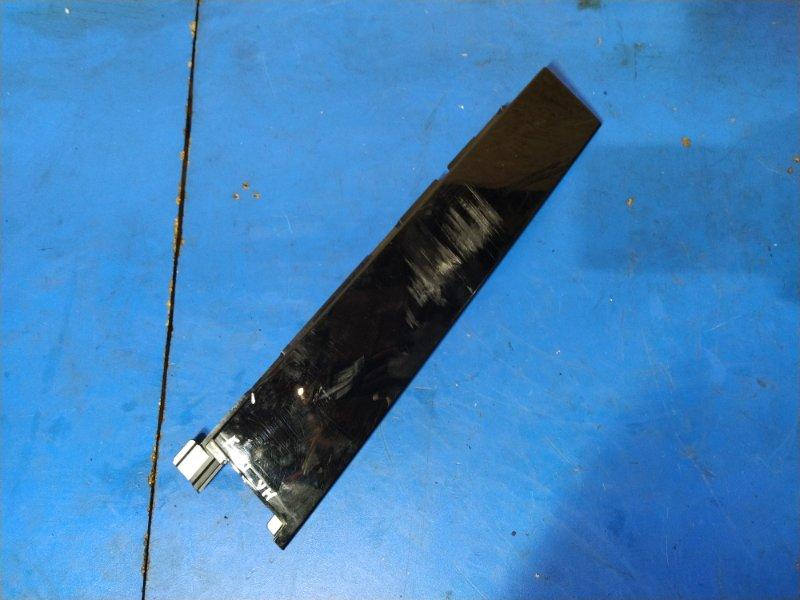 Накладка двери задней правой Ford Focus 3 (2011>) ХЭТЧБЕК (б/у)
