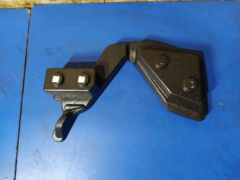 Наполнитель двери багажника Ford Fusion 2001-2012 (б/у)