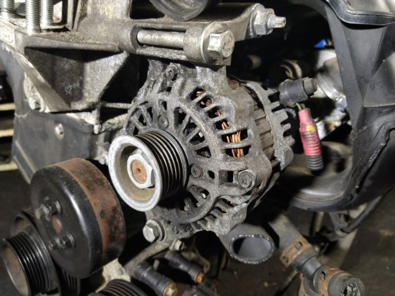Генератор Ford Fiesta 2001-2008 (б/у)