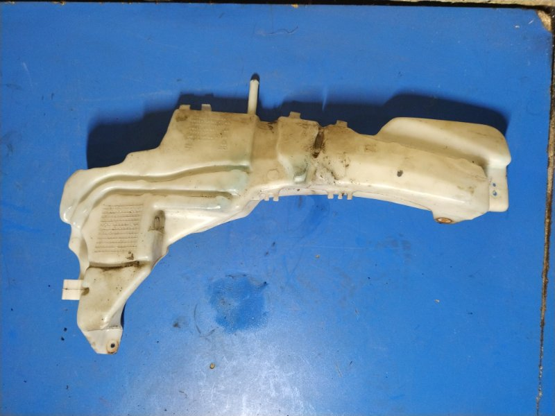 Бачок омыв. лобового стекла Ford C-Max 2007-2010 ХЭТЧБЕК 1.8L DURATEC-HE PFI (125PS) 2008 (б/у)