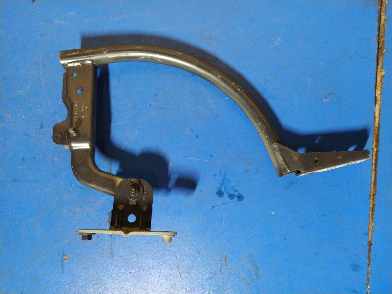 Петля крышки багажника левая Ford Focus 3 (2011>) СЕДАН 1.6L DURATEC TI-VCT (105PS) - SIGMA 2012 (б/у)
