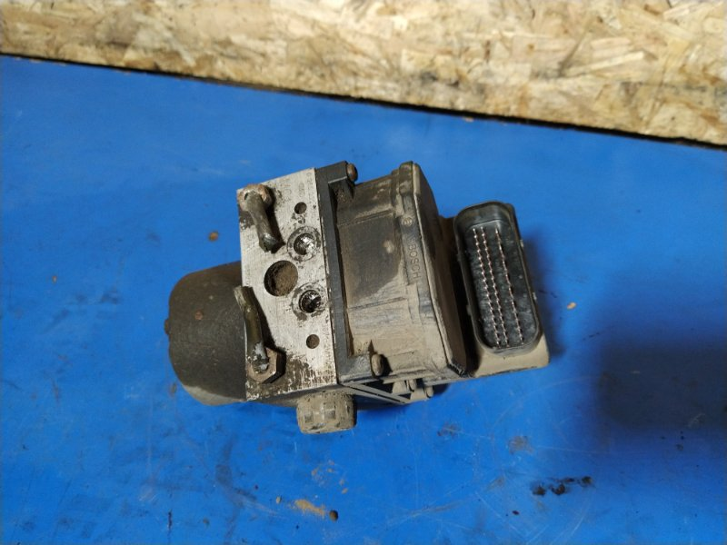 Блок abs (насос) Ford Mondeo 3 (2000-2007) ХЭТЧБЕК 2.0L DURATEC HE SEFI (145PS) 2003 (б/у)
