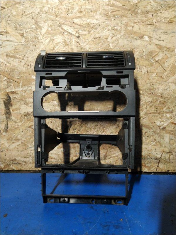 Рамка магнитолы Ford Mondeo 3 (2000-2007) ХЭТЧБЕК 2.0L DURATEC HE SEFI (145PS) 2003 (б/у)