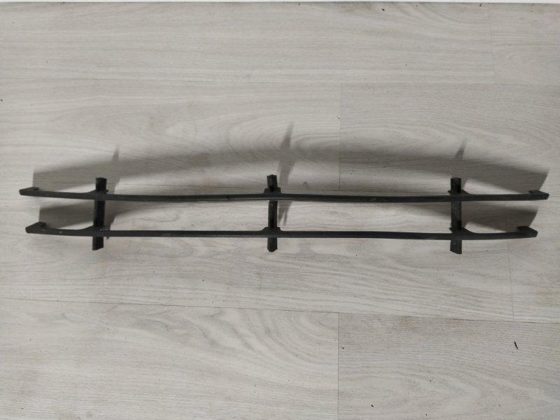 Решетка в бампер центральная нижняя Ford Mondeo 3 (2000-2007) (б/у)