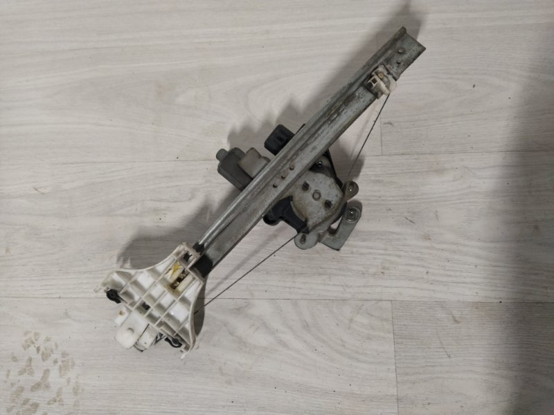 Стеклоподъёмник задний левый Ford Mondeo 3 (2000-2007) (б/у)