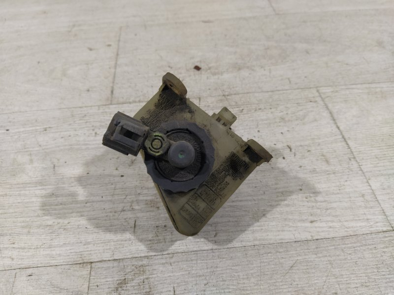 Кулак поворотный передний правый Ford Fusion 2001-2012 ХЭТЧБЕК 1.4L DURATEC 16V EFI DOHC (75/80PS) 01.2006 (б/у)