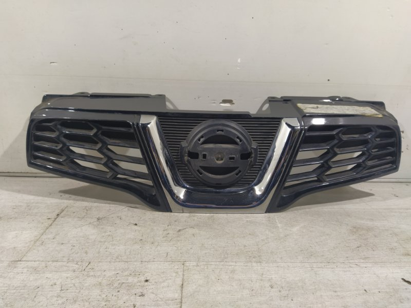 Решетка радиатора Nissan Qashqai (J10) 2006> (б/у)