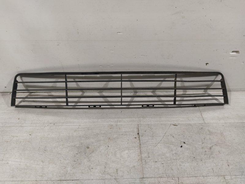 Решетка в бампер центральная Ford Fusion 2001-2012 (б/у)