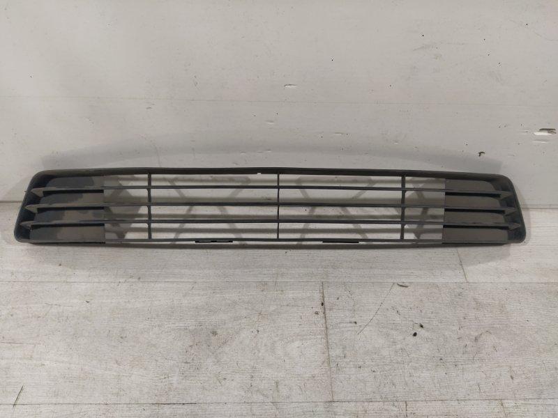Решетка в бампер центральная Ford Fiesta (2001-2008) (б/у)