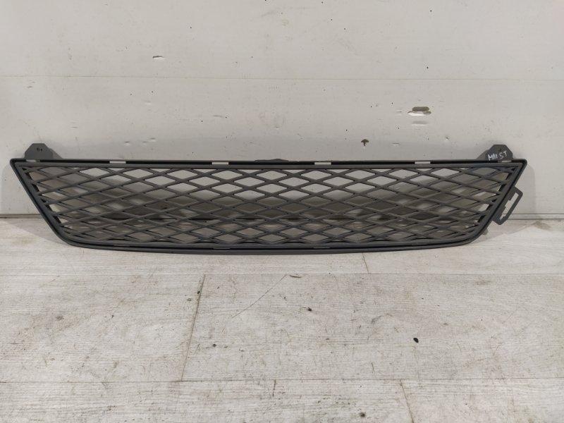 Решетка в бампер центральная Ford Mondeo 3 St (2000-2007) нижняя (б/у)