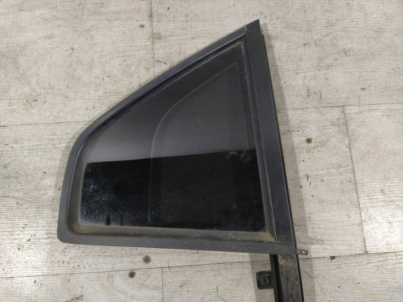 Стекло двери задней правой (форточка) Ford Mondeo 3 (2000-2007) (б/у)