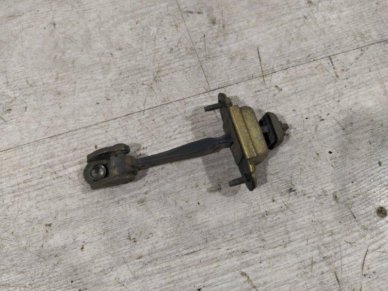 Ограничитель двери Ford Mondeo 3 (2000-2007) ХЭТЧБЕК задний (б/у)