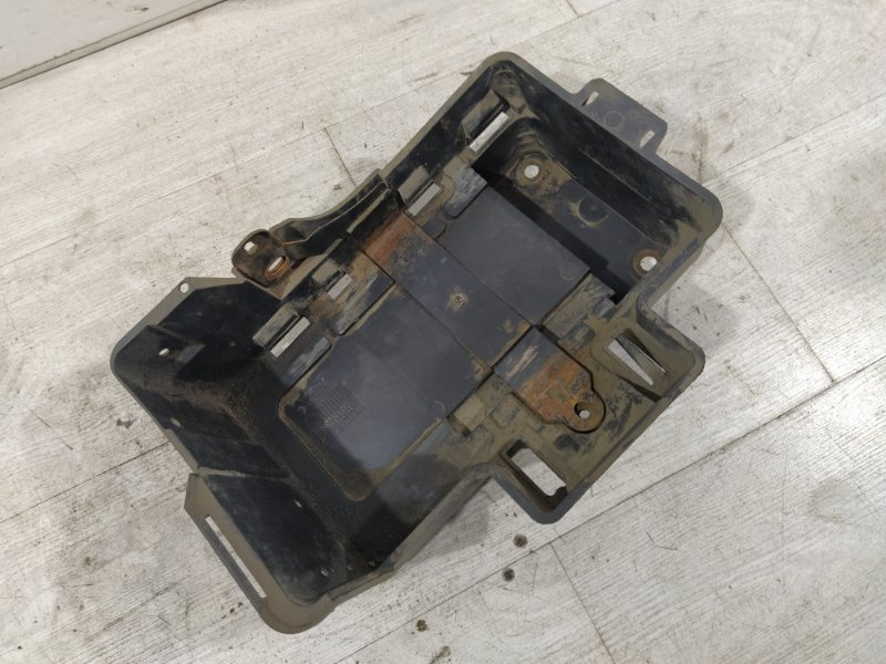 Площадка акб Ford Focus 1 1998-2005 ХЭТЧБЕК 1.6L ZETEC ROCAM 2002 (б/у)