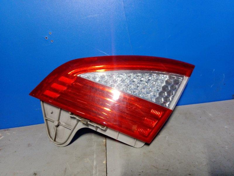 Фонарь задний в бампер правый Ford Mondeo 4 (2007-2014) 2.0L TDCI/QXBA 2008 (б/у)
