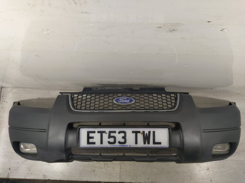 Бампер передний Ford Maverick (2001-2006) 3.0 V6 AJ 2004 (б/у)