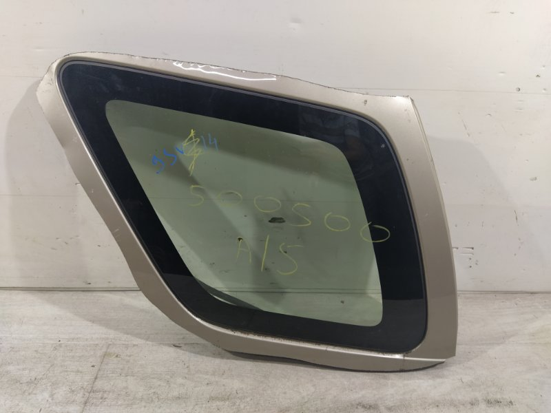 Стекло кузовное глухое заднее левое Ford Maverick (2001-2006) 3.0 V6 AJ 2004 (б/у)