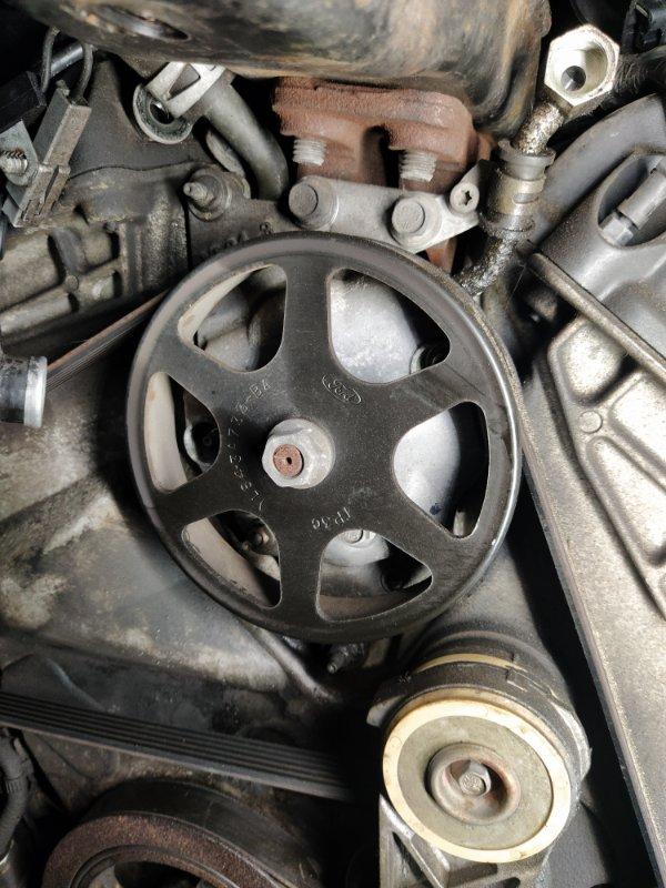 Насос гидроусилителя Ford Maverick (2001-2006) 3.0 V6 AJ 2004 (б/у)