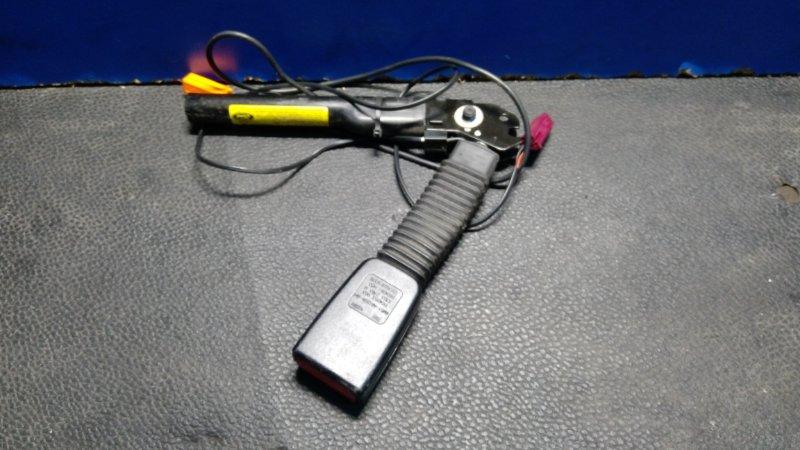 Ответная часть ремня безопасности Ford Focus 2 2008-2011 ХЭТЧБЕК 1.8 TDCI/KKDA 2008 (б/у)