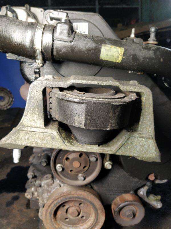 Опора двигателя правая Ford Focus 2 2008-2011 ХЭТЧБЕК 1.8 TDCI/KKDA 2008 (б/у)