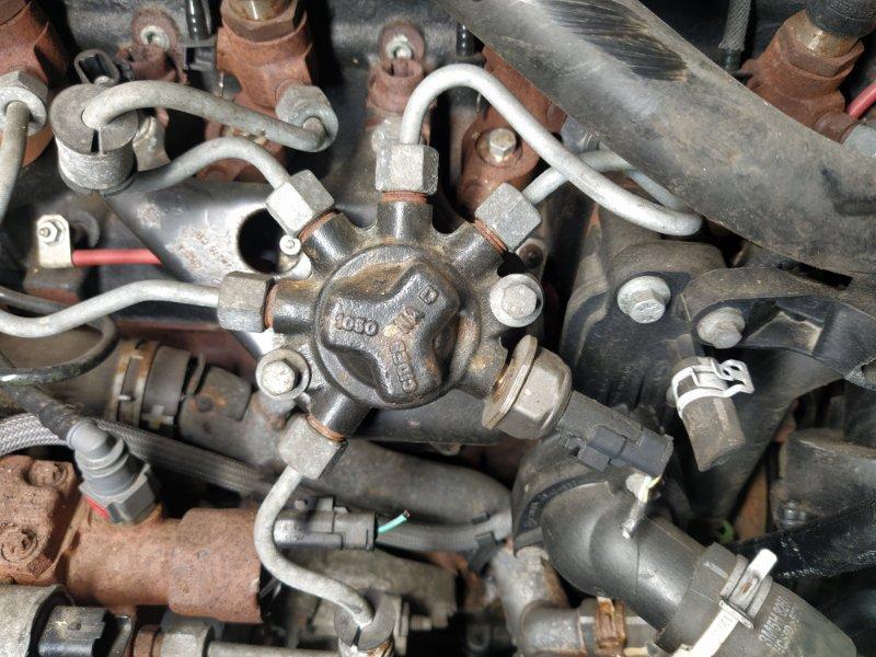 Топливная рампа Ford Focus 2 2008-2011 1.8 KKDA (б/у)