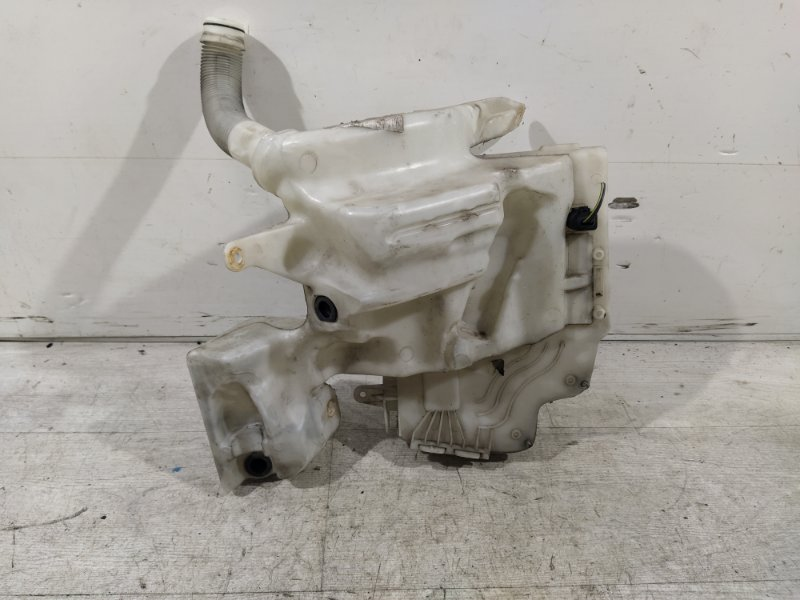 Бачок омыв. лобового стекла Ford Mondeo 4 (2007-2014) ХЭТЧБЕК 2.0L DURATORQ-TDCI (143PS) - DW 2009 (б/у)