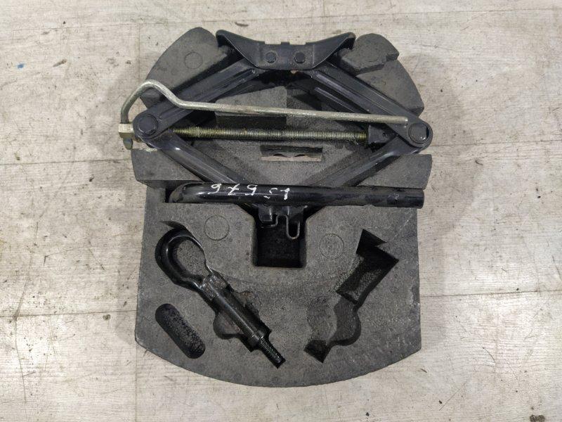 Ящик для инструментов Ford Mondeo 4 (2007-2014) ХЭТЧБЕК 2.0L DURATORQ-TDCI (143PS) - DW 2009 (б/у)