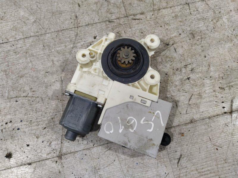 Моторчик стеклоподъемника Ford Focus 2 2008-2011 ХЭТЧБЕК 2.0L DURATEC/AODA 2008 задний правый (б/у)