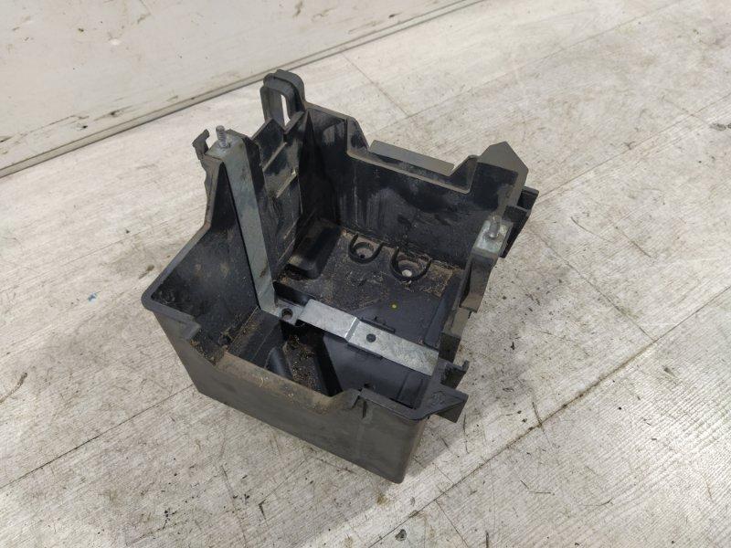 Площадка акб Ford Fusion 2001-2012 ХЭТЧБЕК 1.4L DURATEC 16V EFI DOHC (75/80PS) 2007 (б/у)
