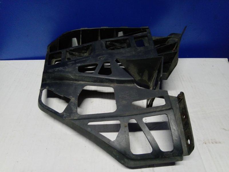 Кронштейн заднего бампера правый Ford S-Max 2006- УНИВЕРСАЛ 2.5L DURATEC-ST (220PS) 2008 (б/у)