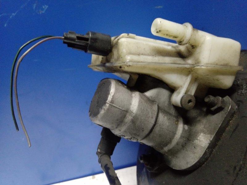 Главный тормозной цилиндр Ford S-Max 2006- УНИВЕРСАЛ 2.5L DURATEC-ST (220PS) 2008 (б/у)