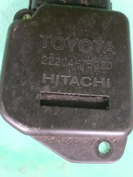 Датчик расхода воздуха Toyota Land Cruiser UZJ100 2UZFE (б/у)
