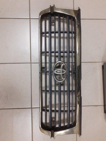 Решетка радиатора Toyota Land Cruiser FZJ80 1997 (б/у)