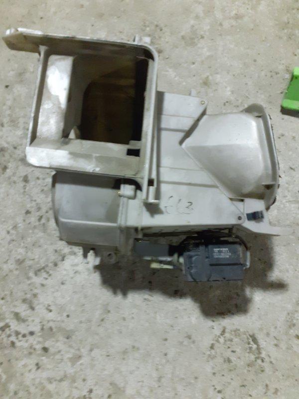 Корпус моторчика печки Toyota Land Cruiser 80 (б/у)