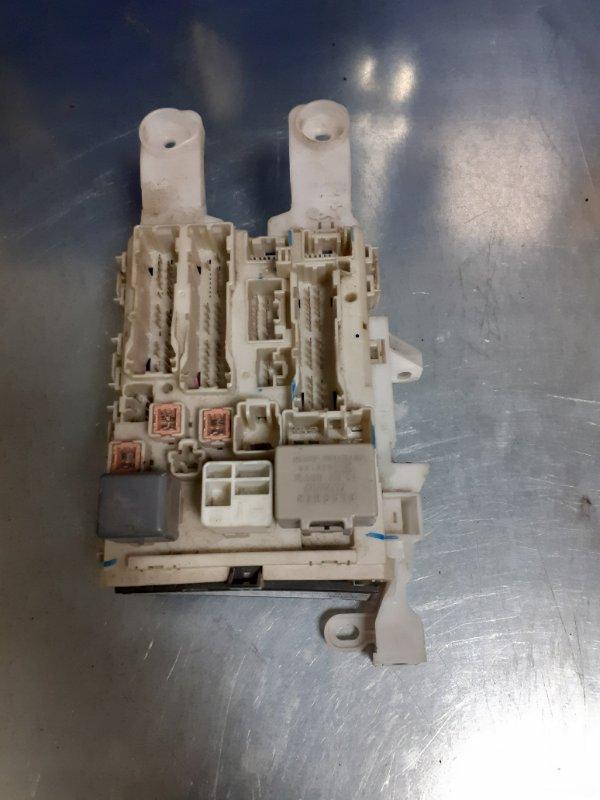 Блок предохранителей Toyota Rav4 ACA30 1AZFE (б/у)