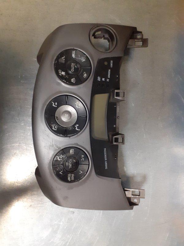 Блок управления климатом Toyota Rav4 2AZFE передний левый (б/у)