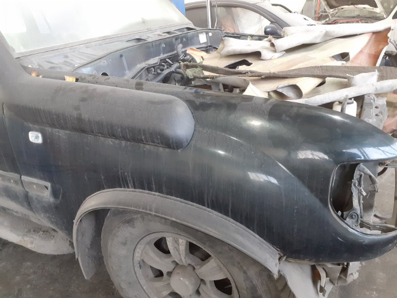 Крыло Toyota Land Cruiser 80 переднее правое (б/у)