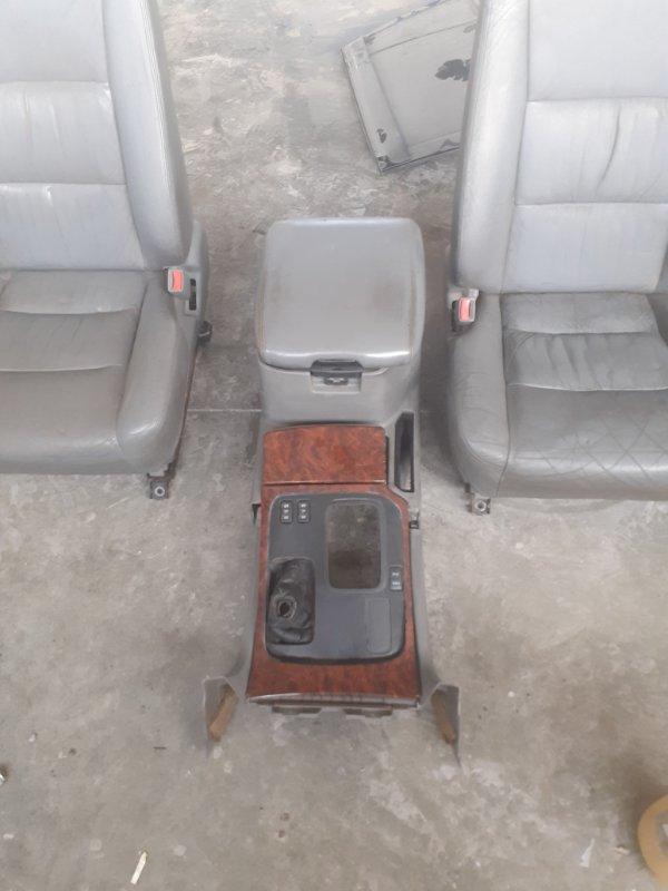 Подлокотник Toyota Land Cruiser 100 передний левый (б/у)