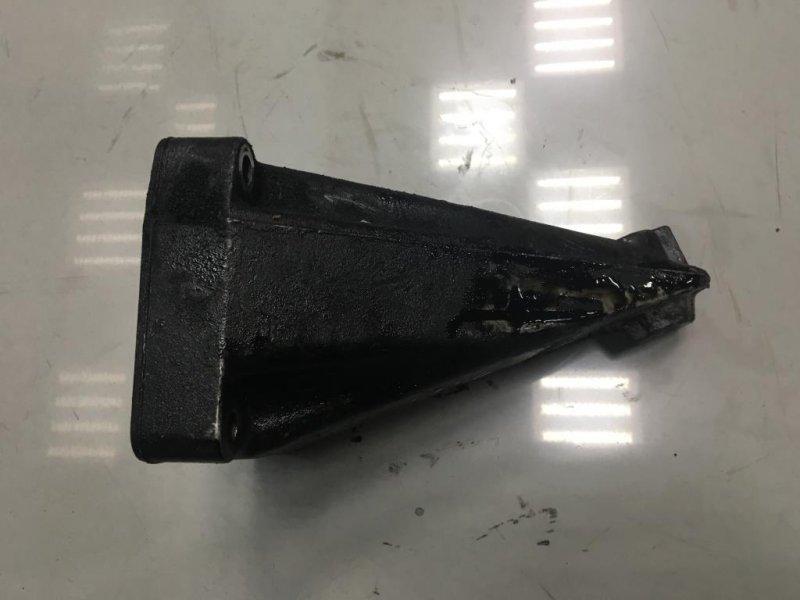 Кронштейн двигателя Mercedes правый (б/у)