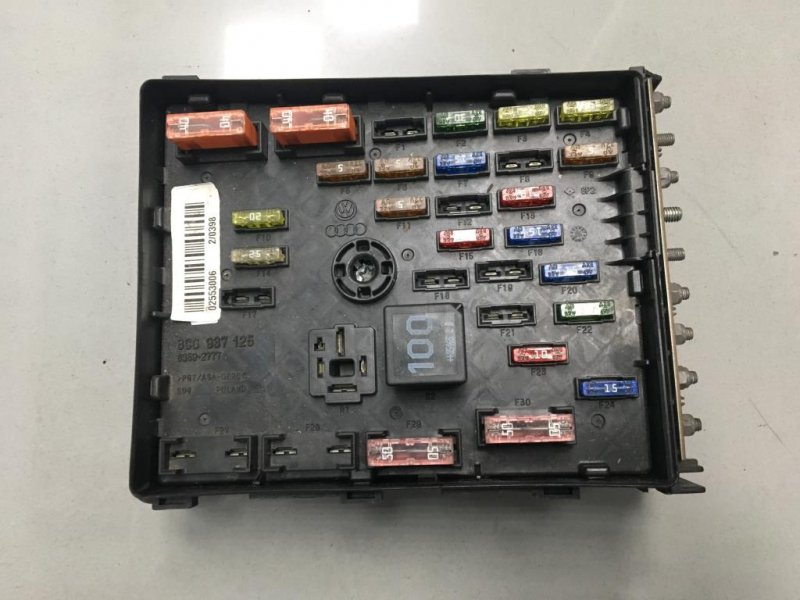 Блок предохранителей Volkswagen Passat B6 2.0 2006 (б/у)