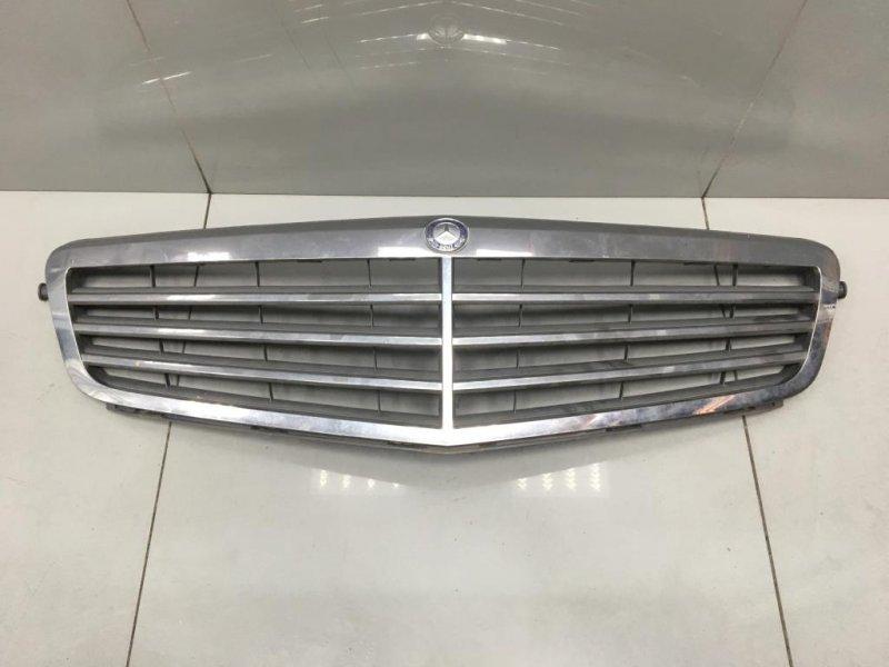 Решетка радиатора Mercedes C Class W204 2 2008 (б/у)