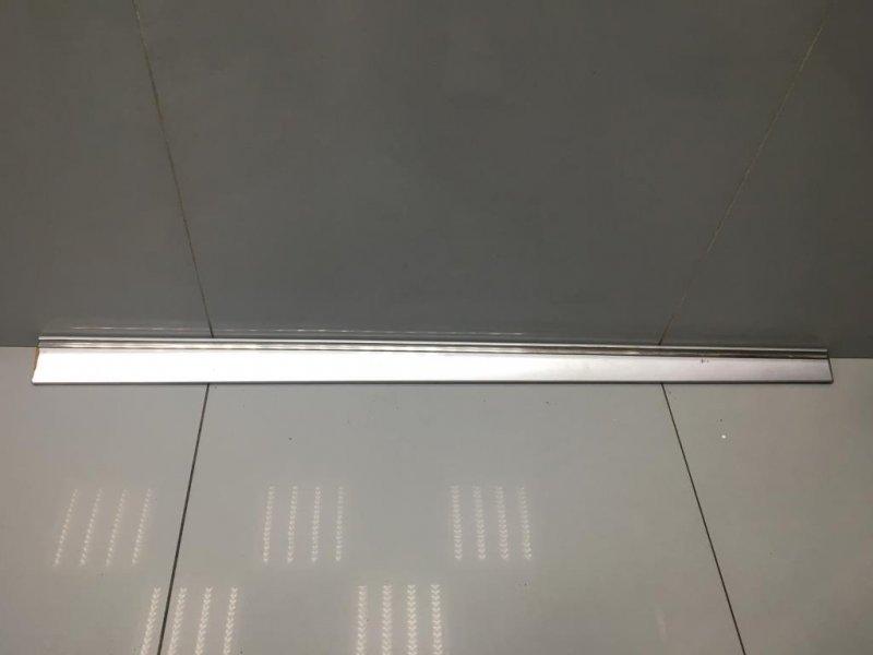 Молдинг двери Mercedes C Class W203 передний правый (б/у)