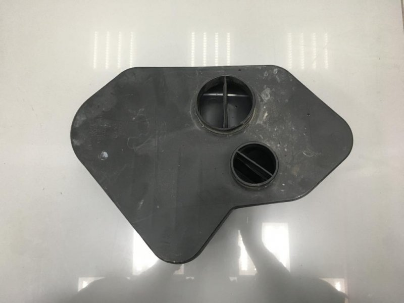 Резонатор воздушного фильтра Mazda Cx 9 3.7 2009 (б/у)