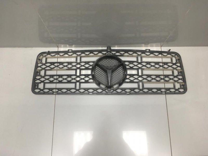 Решетка радиатора Mercedes G Class W463 (б/у)