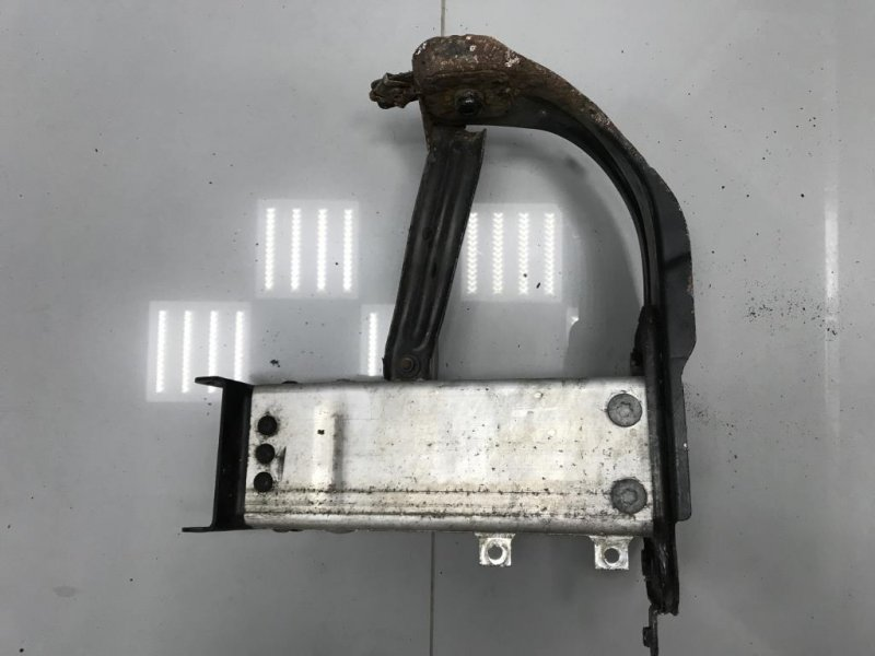 Кронштейн усилителя бампера Mercedes E Class W211 передний левый (б/у)